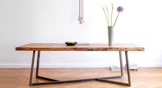 stůl, Josef Trakal